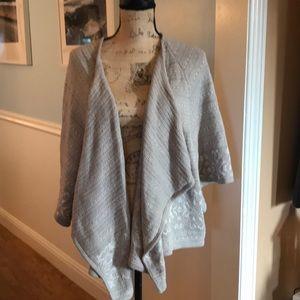 Beautiful soft and stylish Alfani sweater